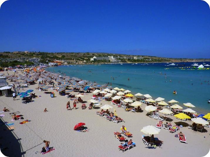 maltas strande blå lagune